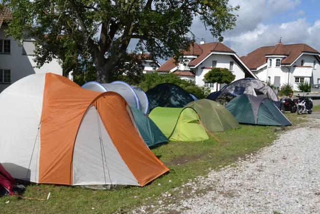 Die Hälfte der Artisten übernachten im Zelt