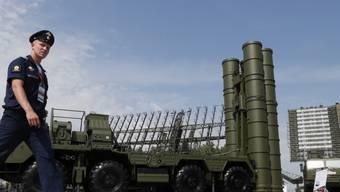 Russland hat mit der umstrittenen Lieferung der S-400-Raketen an die Türkei begonnen. (Archivbild)