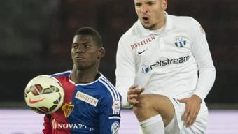 Berat Djimsiti (l.) verletzte in der Szene mit Basels Breel Embolo