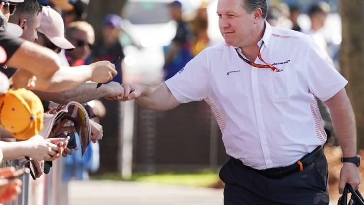 McLarens Chef Zak Brown konnte sich hier noch leutselig geben