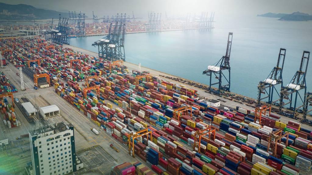 Welthandel steht unter Schock / Globales Vermögenswachstum