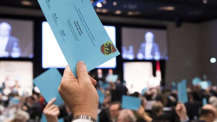 """Die FDP will, dass die Schweiz """"weiterhin an der Weltspitze der Innovation"""" bleibe - was die Delegierten an der DV in Thun einstimmig guthiessen."""