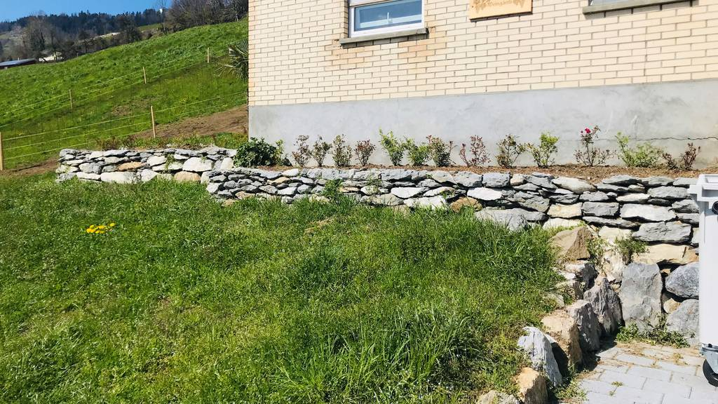 Natursteinmauer in Ennetbürgen