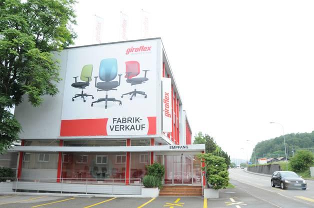 Hier befindet sich der Eingang. 200 Mitarbeitende beschäftigt das Unternehmen zurzeit (Juli 2017), 130 an diesem Hauptstandort, 50 weitere bei der Tochter Espisa, die sich auch in Koblenz befindet.