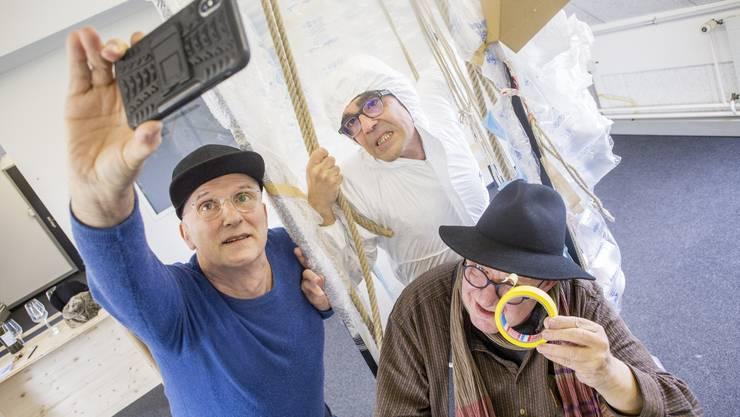 Theater im Uferbau mit Pedro Haldemann (l.), Jens Wachholz (r.) und Hanspeter Bader (u.)
