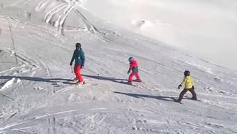 Für den Skispass muss nicht weit gereist werden. Pünktlich zu Anfang der Sportferien wird das kleine Skigebiet mit einer dicken Schneeschicht verwöhnt.