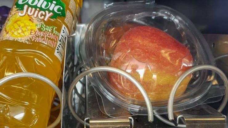 Gibt zu reden: Selecta-Apfel, in Plastik verpackt.