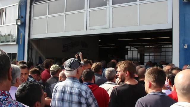 Grosser Andrang bei der Grandag-Garage in Windisch.