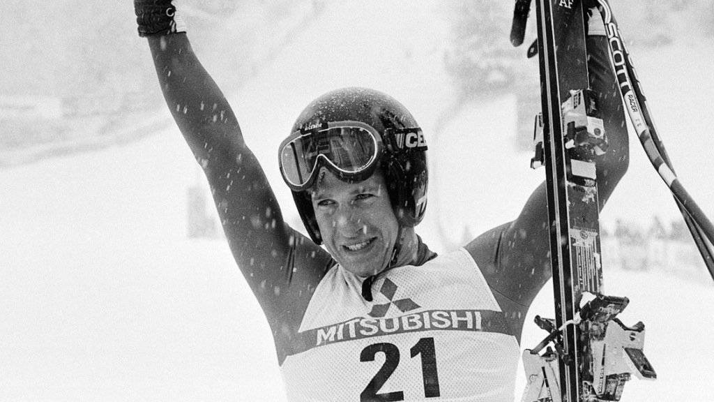 Der Amerikaner Bill Johnson jubelt nach seinem Sieg in der Lauberhorn-Abfahrt vom 15. Januar 1984