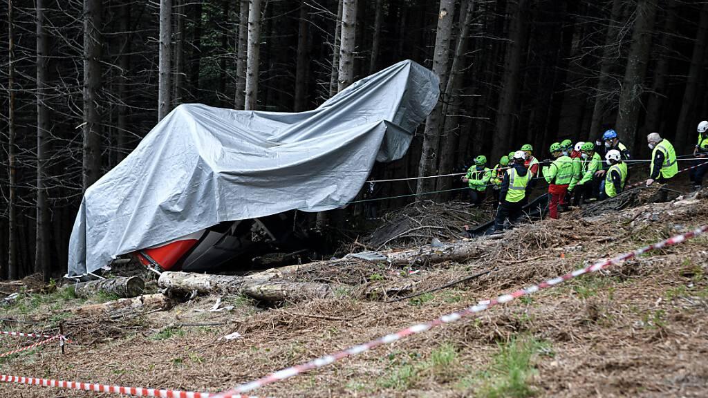 Seilbahn-Unglück in Italien: Abgestürzte Gondel soll entfernt werden