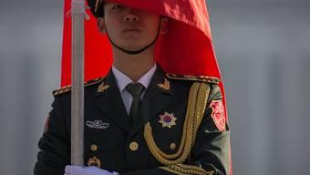 Ein Soldat in Chinas Hauptstadt Peking. (Archivbild)