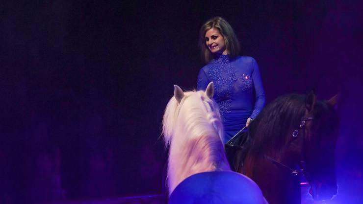 Ein Bild vergangener Tage: Zirkusdirektorin Franziska Nock in der Manege.