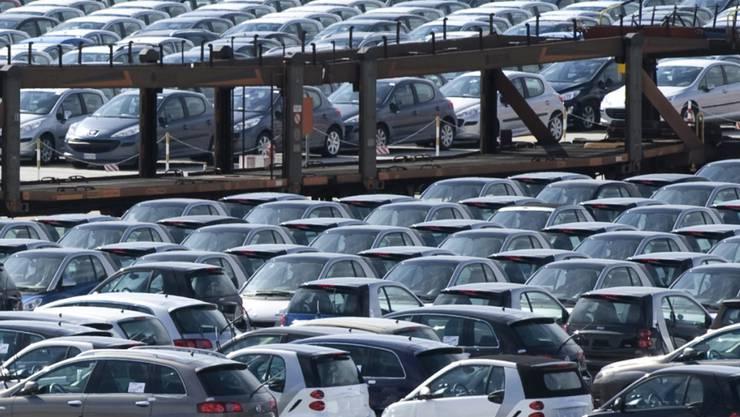 Oft leer: Rund 120 Autos sind regelmässig in den Sitzungswochen des EU-Parlaments für den Transport von Abgeordneten zwischen Brüssel und Strassburg unterwegs. (Symbolbild)