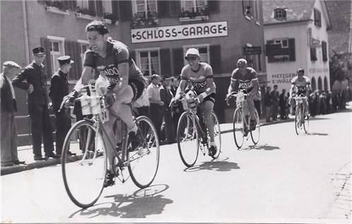 2. Etappe der Tour de Suisse 1938: Charly Wyss in Frauenfeld (vorne).