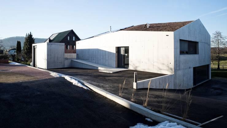 Stein des Anstosses: das überdimensionierte Betonhaus der Jacobis in Seltisberg.