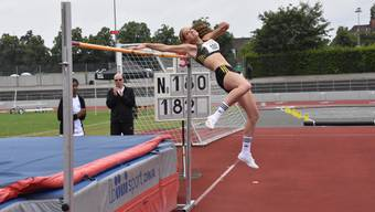 Die Hochspringerin Salome Lang bestritt in Basel erstmals einen Wettbewerb mit ihrem neuen Anlauf.