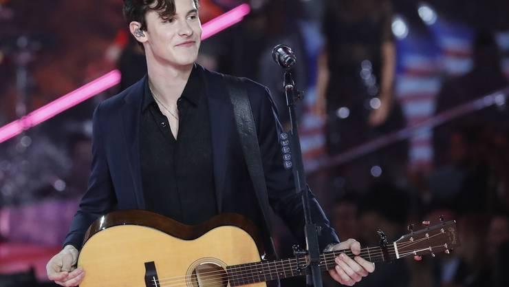 Gerüchte um seine Sexualität stressen den kanadischen Musiker Shawn Mendes sehr. (Archivbild)