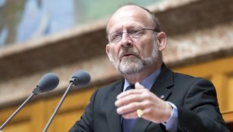 Setzt sich am und neben dem Rednerpult oft für die sprachlichen Minderheiten ein: Der Freiburger CVP-Nationalrat Dominique de Buman ist für ein Jahr Präsident der grossen Kammer. (Archiv)