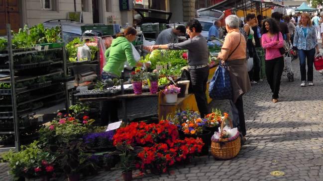 Ein Wochenmarkt (Symbolbild)