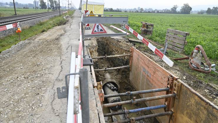 Die SWG saniert Gruppenwasserleitung entlang der Bahnstrecke Grenchen - Bettlach