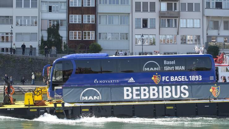 Der FC Basel ist im «Bebbi-Bus» unterwegs. 2015 wurde er auf dem Rhein getauft. (Archiv)
