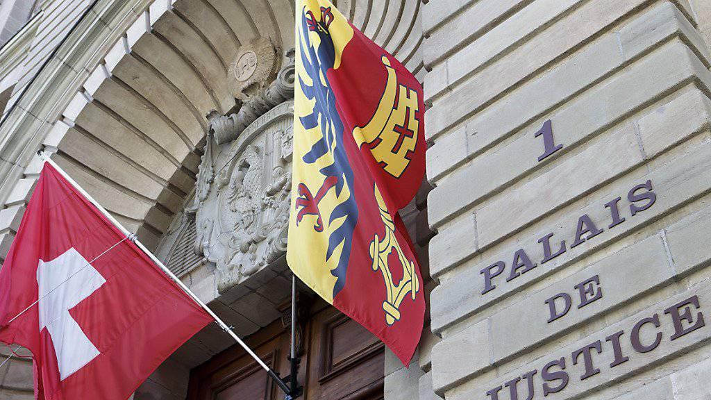Ein früherer Buchhalter und ein Anwalt haben beim Genfer Universitätsspital über 22 Millionen Franken veruntreut. Das Strafgericht hat sie nun zu teilbedingten Gefängnisstrafen verurteilt.