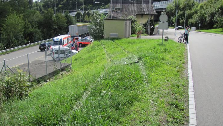 Selbstunfall in Neuenhof: Der Fahrer kam mit dem Schrecken davon