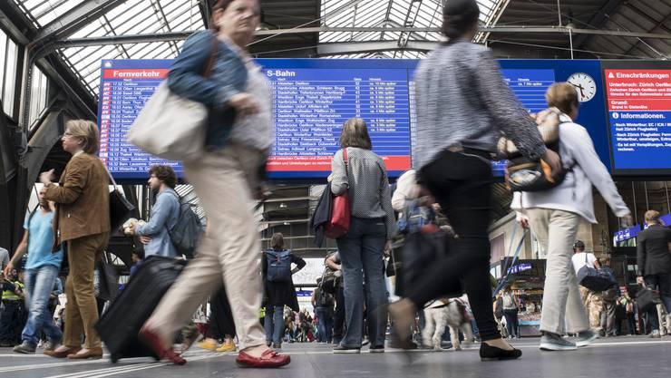 Die Entschädigung für Bahnreisende sei ungenügend, kritisieren Konsumentenschützer.
