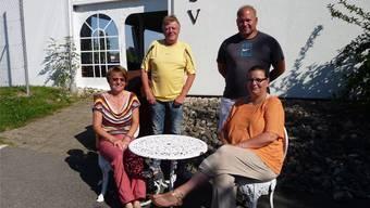 Die Club-Beizli-Crew: (v.l.): Die scheidende Claudia Halter, der neue Pächter Claudio Lisibach mit Mitarbeitern Chantal und Michael Bieri.