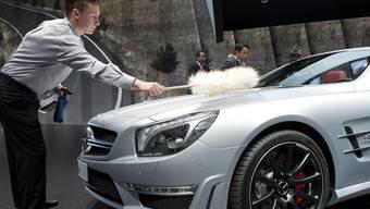 Ein Ökofahrzeug? Sauberer geht es kaum: Dieser Mercedes erfüllt die neuste Euro-Abgasnorm und wird von der Basler Motorfahrzeugkontrolle mit einem höheren Bonus belohnt als manche Biogas-Autos.