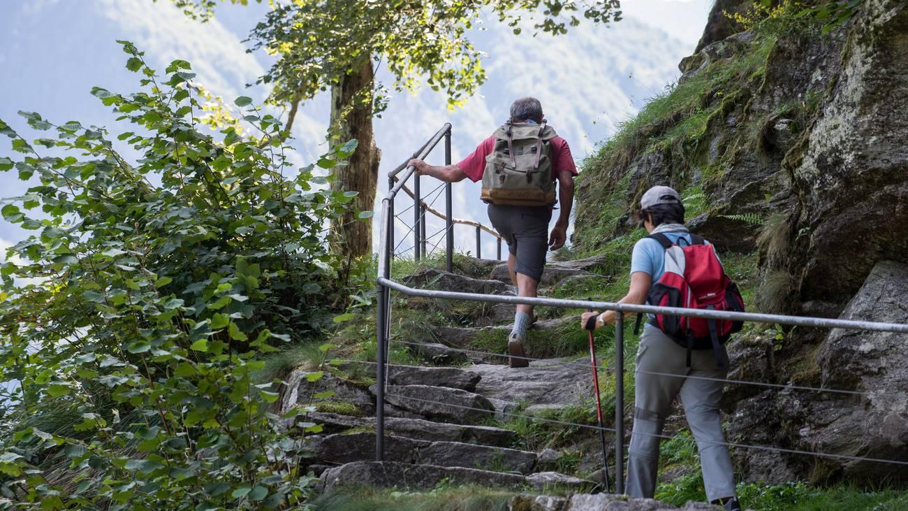 Wandern Berg Jura Symbolbild