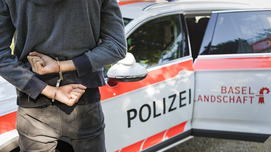 In Basel ist ein 28-jähriger Mann in der Nacht auf Sonntag mit einer Stichwaffe tödlich verletzt worden. Der mutmassliche Täter wurde verhaftet. (Symbolbild)