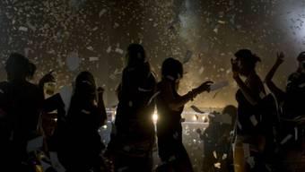 Teenager brechen in Villa ein und veranstalten Party (Symbolbild)
