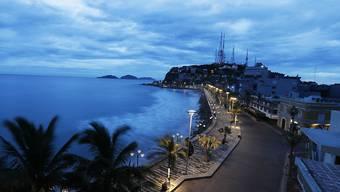 """Der Strand von Mazatlán kurz vor dem Eintreffen von """"Willa""""."""