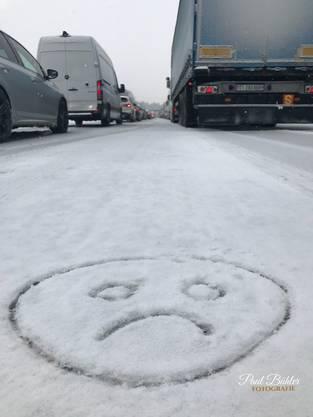 Wenn du seit 45min. auf der Autobahn (Gerlafingen) still stehst und doch ein bisschen kreativ sein kannst😂😂