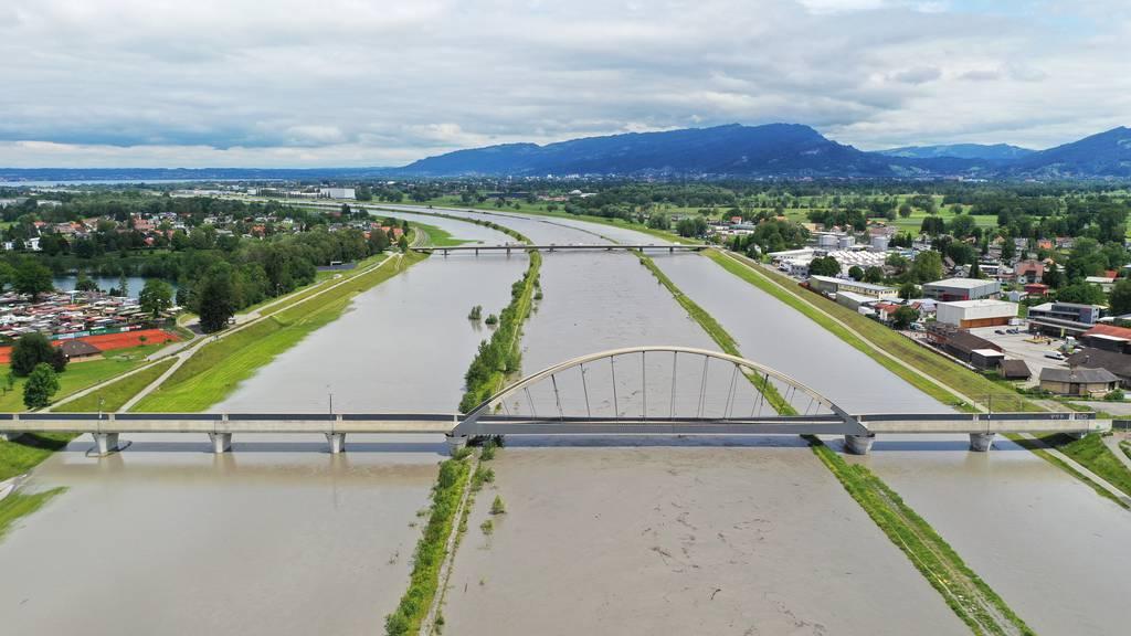Rhein-Hochwasser: Lage entspannt sich