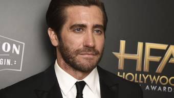 Jake Gyllenhaal soll für Netflix einen Kunstkritiker spielen. Er übt schon mal, indem er in Ausstellungen und auf Vernissagen geht. (Archivbild)