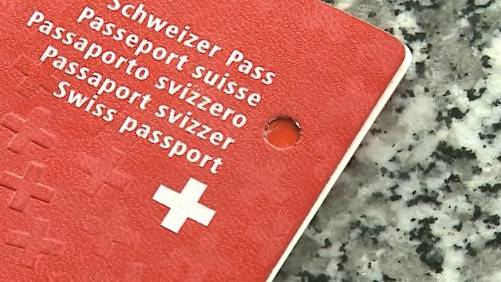 Der Aargauer Regierungsrat sagt bei der Abstimmung zum Einbürgerungsgesetz weder Ja noch Nein.