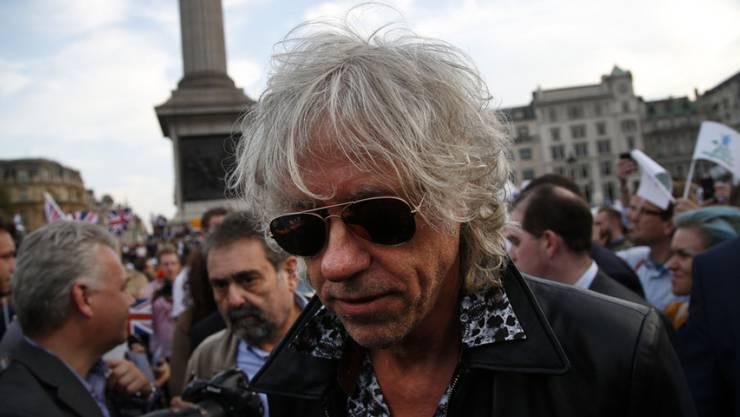 Auch wenn er am nächsten Tag die Sonnenbrille aufsetzen muss: Bob Geldof zieht noch immer Nacht für Nacht durch die Gassen.
