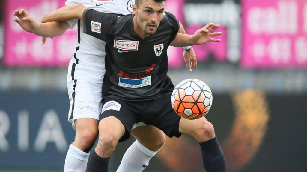 Luca Radice (vorne, in einem Archivbild aus dem Spiel gegen Wil) schoss das entscheidende Tor für den FC Aarau