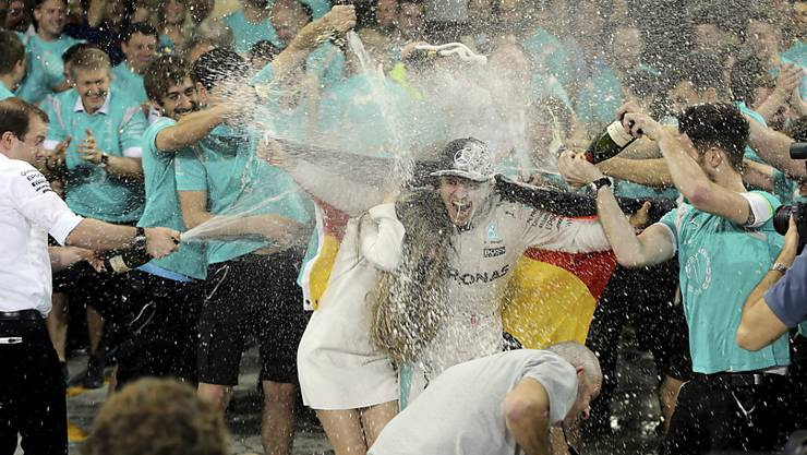 Die erste WM-Party stieg bereits nach dem Rennen in der Mercedes-Box