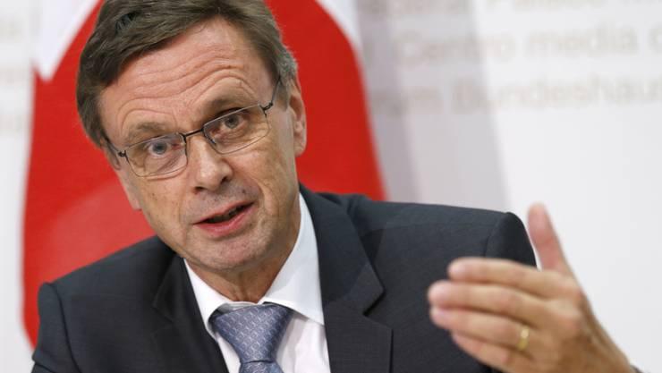 KKJPD-Präsident Hans-Jürg Käser will, dass sich die Schweiz auf eine Notsituation im Asylbereich vorbereitet. (Archiv)