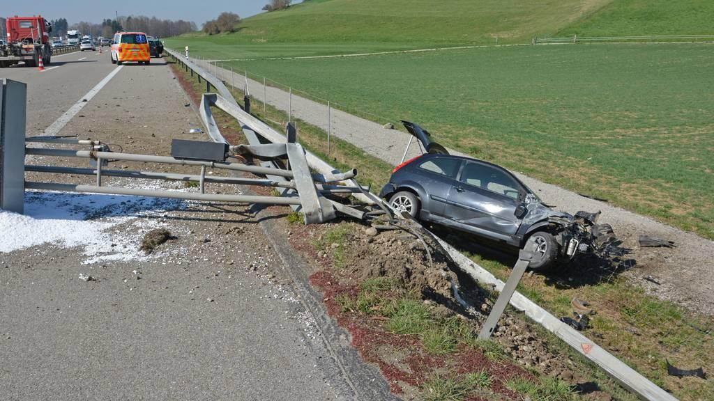 Beim Unfall entstand ein Sachschaden von mehreren zehntausend Franken.