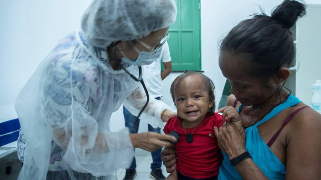 Das Coronavirus verbreitet sich rasend schnell in Brasilien. Davon bleiben auch indigene Personen, die weit weg von den grossen Städten leben, nicht verschont. (Archivbild)