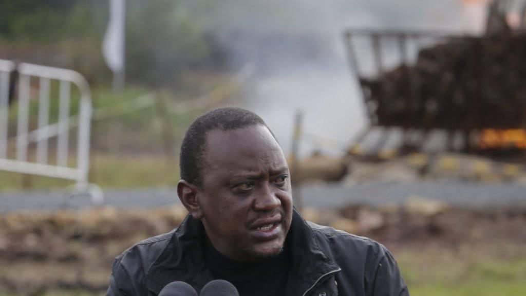 Uhuru Kenyatta hat das nach gebesserte Anti-Doping-Gesetzt unterschrieben