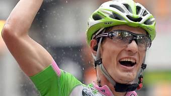 Enrico Battaglin gewinnt den Sprint auf dem Kopsteinpflaster