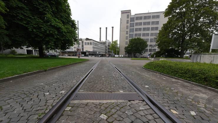 Der imposante Bau K-90 an der KlybeckstrasseGärtnerstrasse diente bis 2006 Ciba, ehe die US-Firma Huntsman einzog