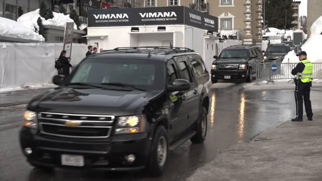Riesiger Trump-Konvoi fährt durch Davos