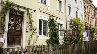 Im «Dischtelfink» an der Binninger Hauptstrasse werden derzeit bloss vier statt 24 Kinder betreut.