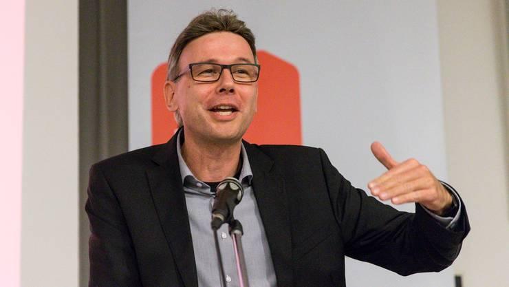 Der neu gewählte Regierungsrat Dieter Egli (SP) übernimmt das Departement Volkswirtschaft und Inneres (DVI).